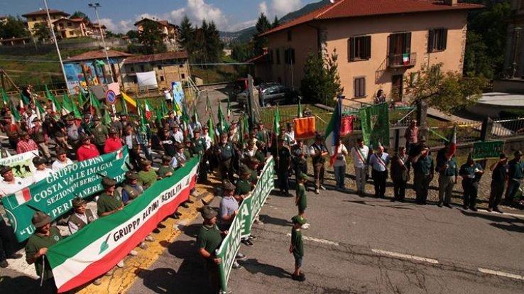 Grande affluenza al raduno Alpini a Strozza