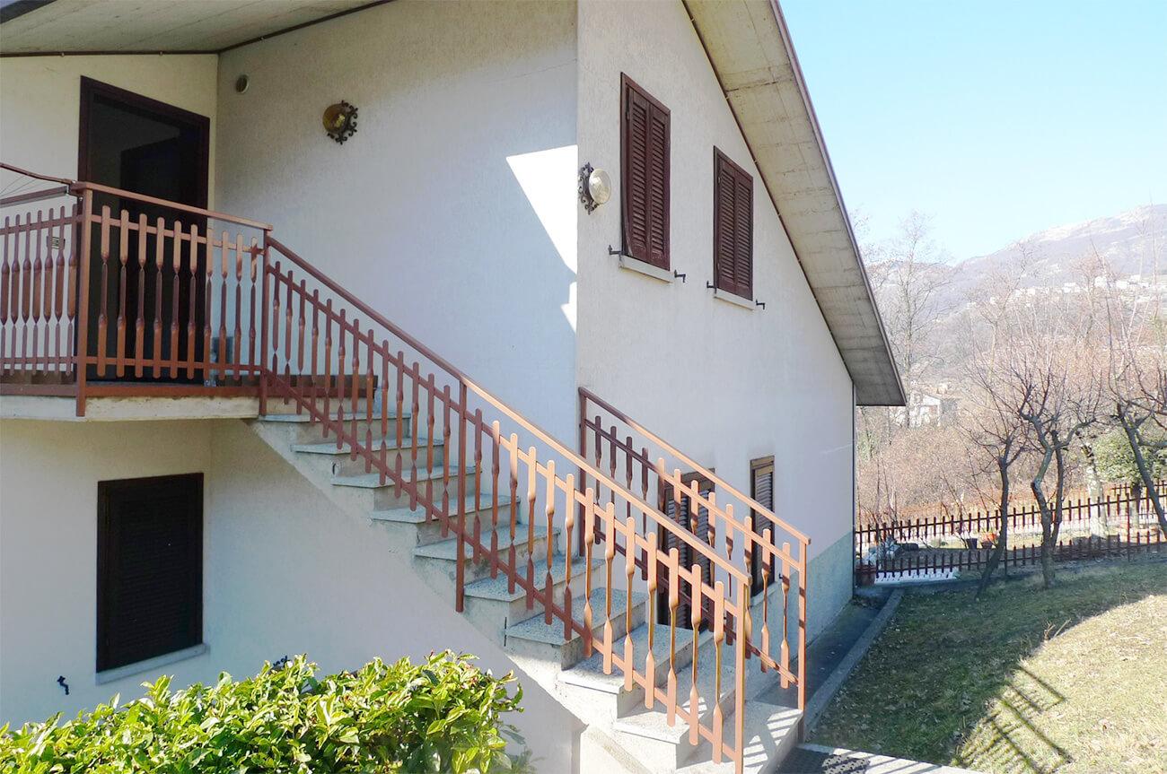 Ampio bilocale panoramico con giardino Sant'Omobono