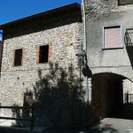 Rustico con due box in vendita a Sant'Omobono Terme (Bergamo)