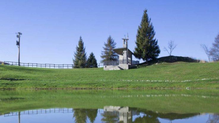 Tanti eventi per i 50 anni della Chiesetta degli Alpini al Laghetto del Pertus