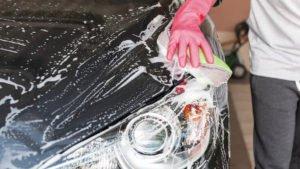 lavare l'auto a mano consigli carrozzeria alle cave